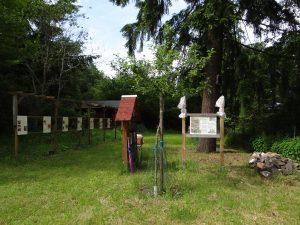 Insektenhotel, Steinhaufen, Lehrpfad